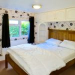 lodge-main-bed-2